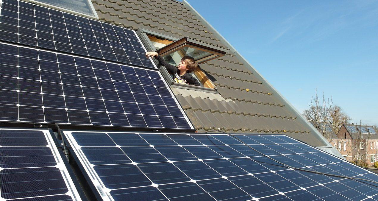 ¿Vale la pena invertir en paneles solares para una casa promedio?